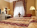 Astoria Hotel City Center Budapest - romantic and elegant hotelroom at cheap prices in Astoria