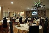 Canada Hotel Budapest - The restaurant with its capacity of 80 person