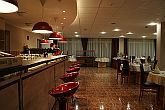 Canada Hotel Budapest in Pesterzsébet with elegant drinkbar close to the Csepel island