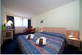 Mercure Buda hotel elegant and romantic hotel room near to the Deli railwaystation in Buda